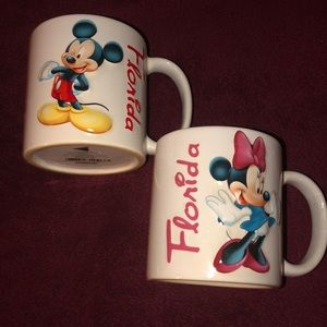 Mickey & Minnie Mouse embossed coffee mugs